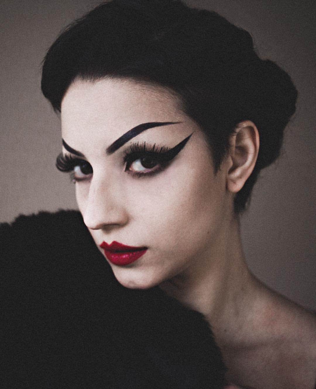 Pin by 🖤 on Makeup, Halloween face makeup