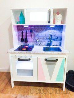 ikea duktig kinderk che pimpen 10 einfache diy tricks f r eure spielk che werbung basteln. Black Bedroom Furniture Sets. Home Design Ideas