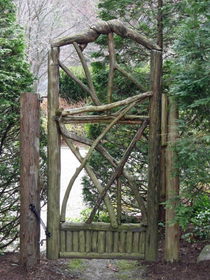 Gartentor Holz Rustikales Design Garten Gestalten Ideen | Hof ... Ideen Hof Garten Gestalten