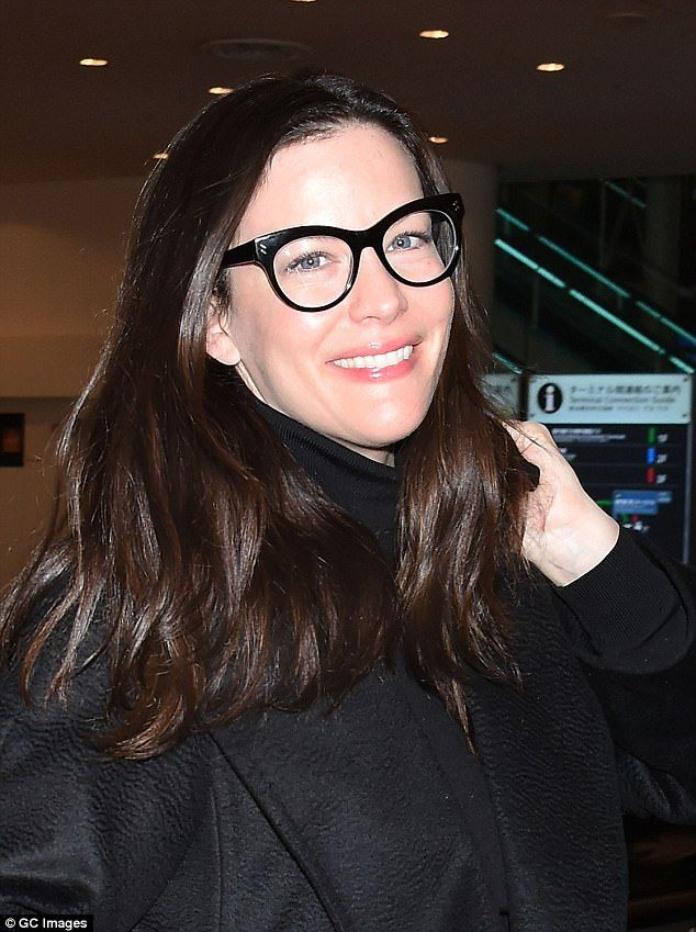 0d3165ab26a3 Liv Tyler proves her natural beauty as she touches down in Japan ...