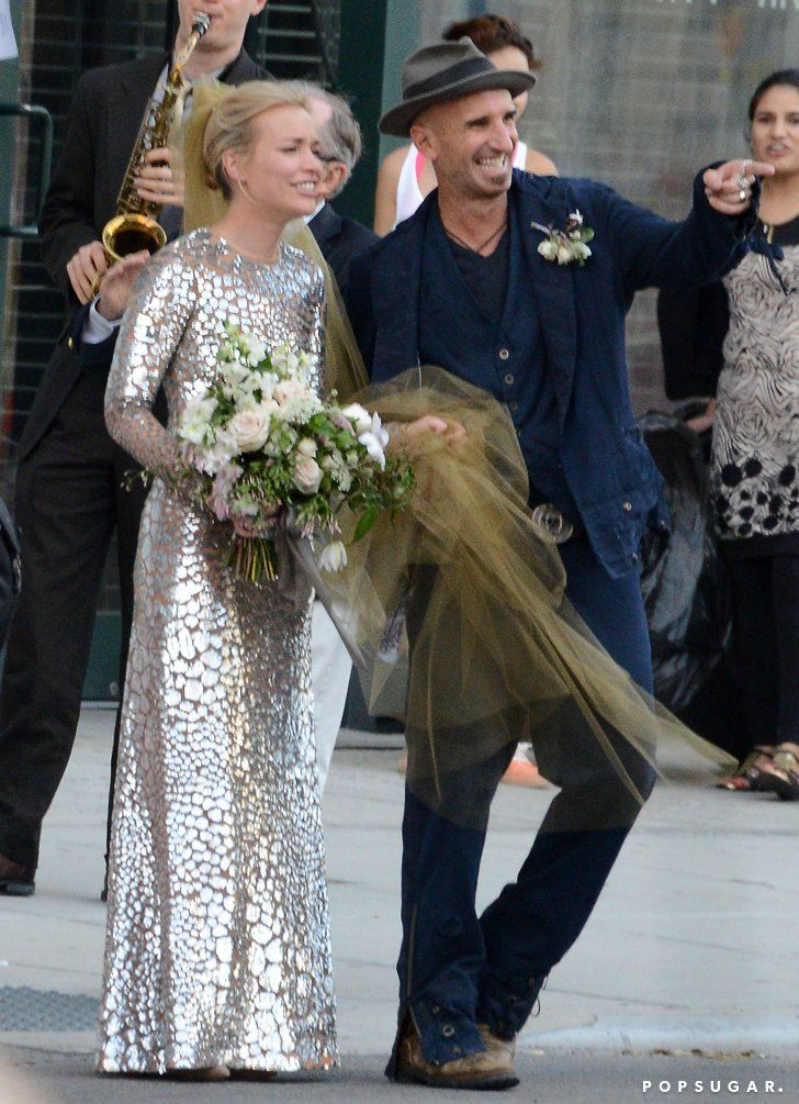 Piper perabo is married see her wedding pictures pinterest pin for later piper perabo is married see her wedding pictures junglespirit Choice Image