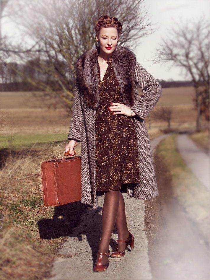Lilly Jarlsson com look de inverno inspirado nos anos 40 ...