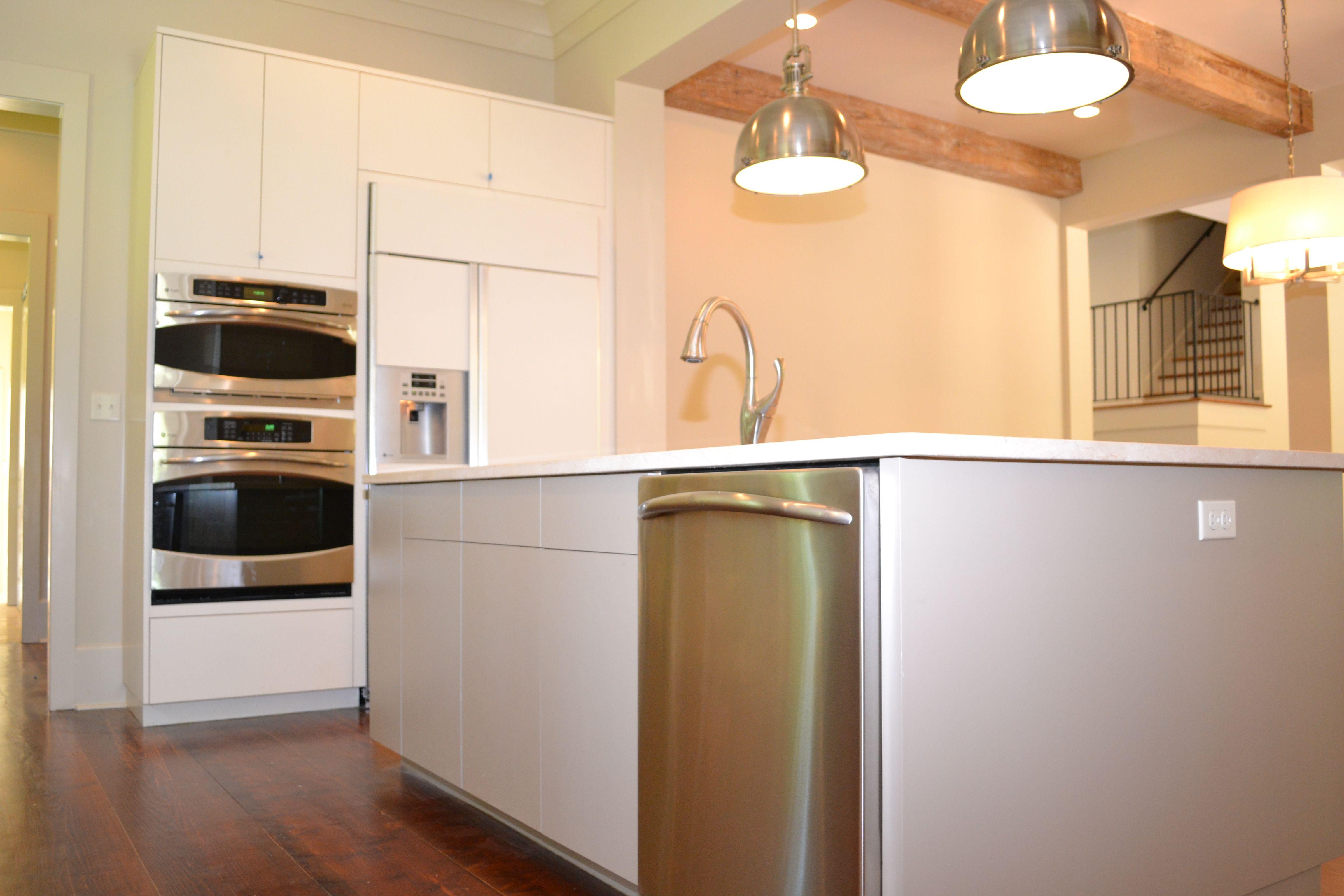 Euro Style Slab Door Modern Kitchen For Clean Line Look Custom Kitchen Cabinets Design Kitchen Remodel Custom Kitchen Cabinets