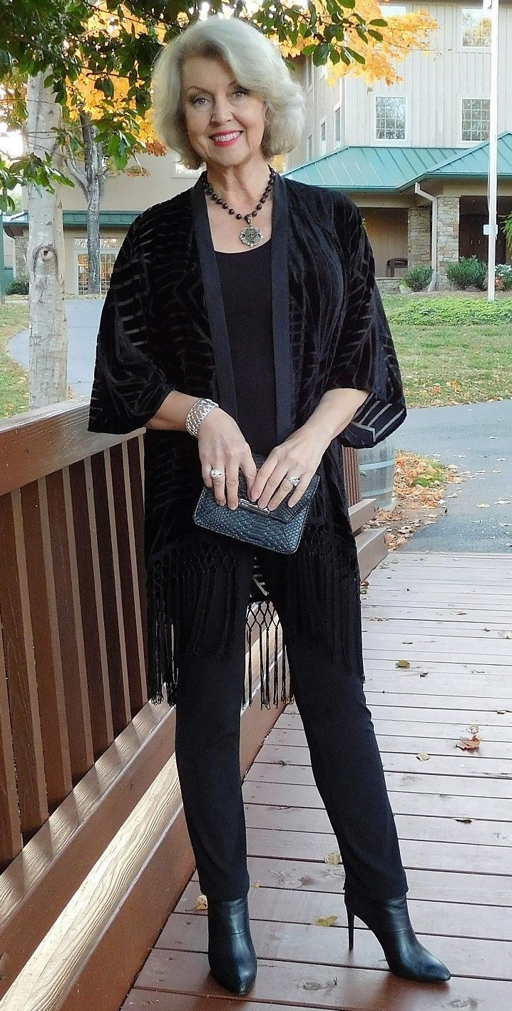 Fashion tips for ladies over 50 98