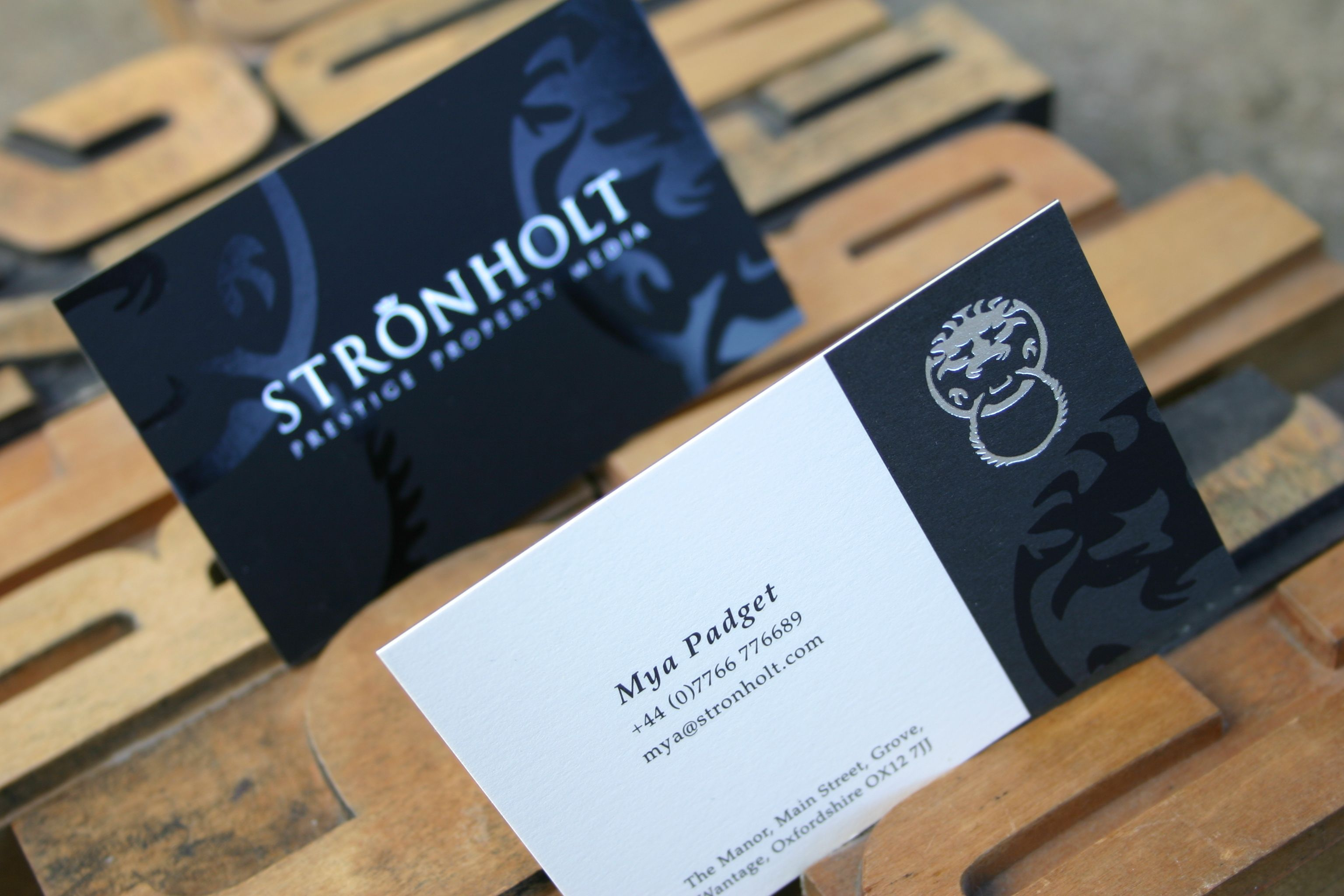 Beautiful duplexed business cards using black Plike and Conqueror ...