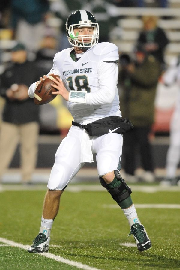 Connor Cook Throws A Pass As The Spartans Win Over Maryland Michigan State Michigan State Football Michigan State Spartans Football