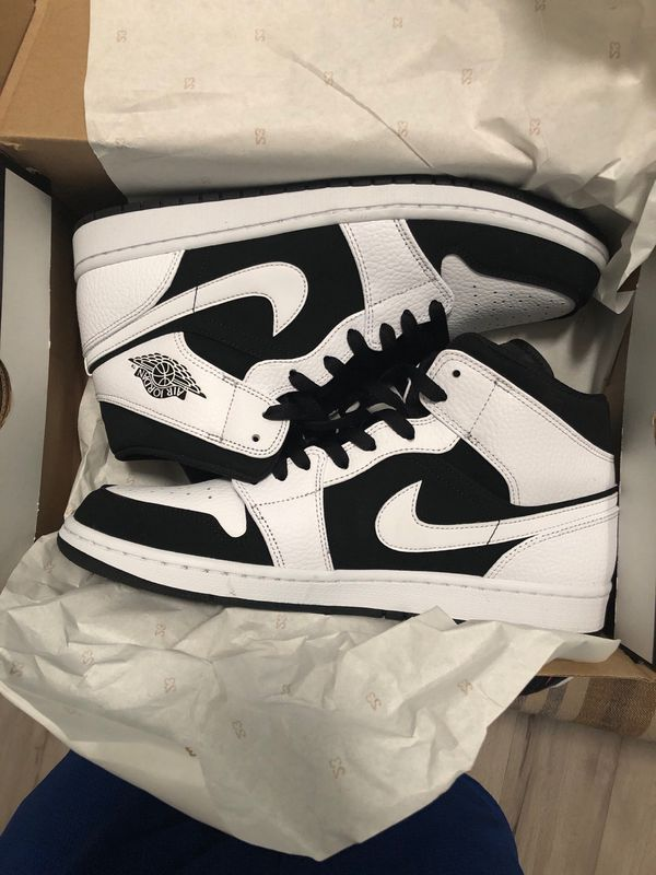 Air Jordan 1 Mid white/black size 11 for Sale in West Palm Beach, FL - OfferUp