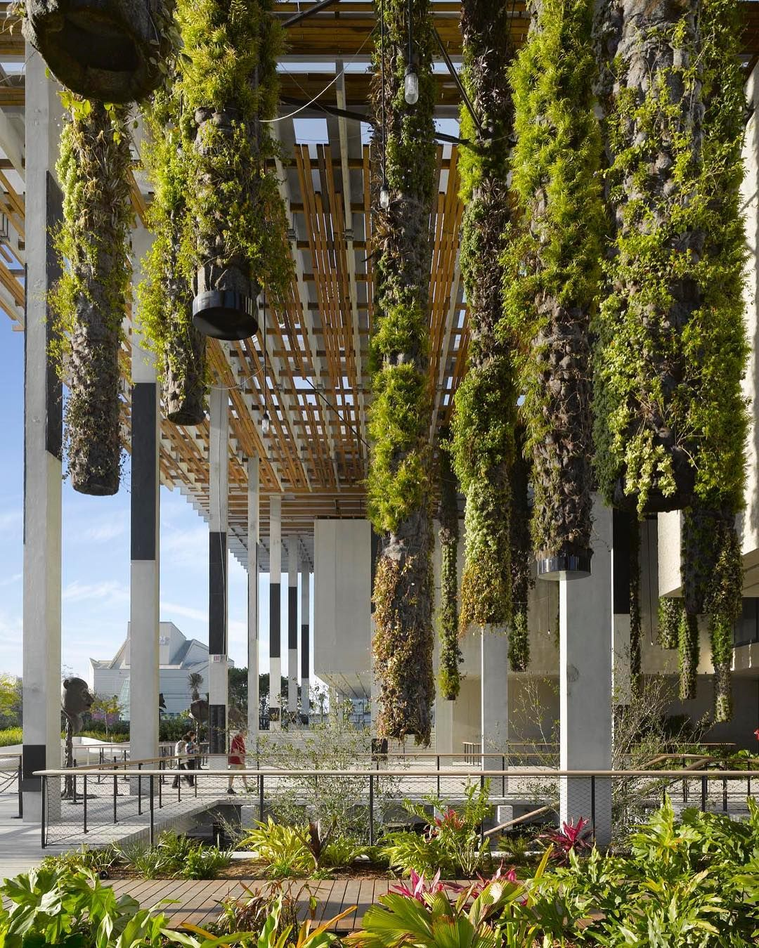 Vertical Gardening Is A Dead-Simple DIY Project That Any