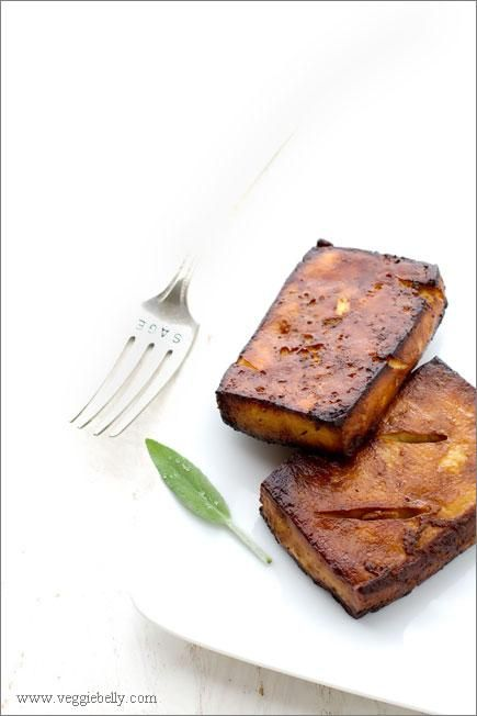 Thanksgiving Recipes : Baked Tofu Steaks with Mushroom Gravy Recipe