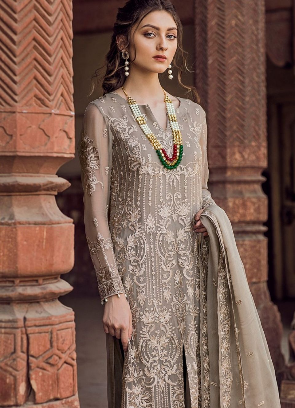 0f2a4adf62 Iznik Chiffon Luxury Wedding Collection 2018 - Yourfirstwedding.com ...