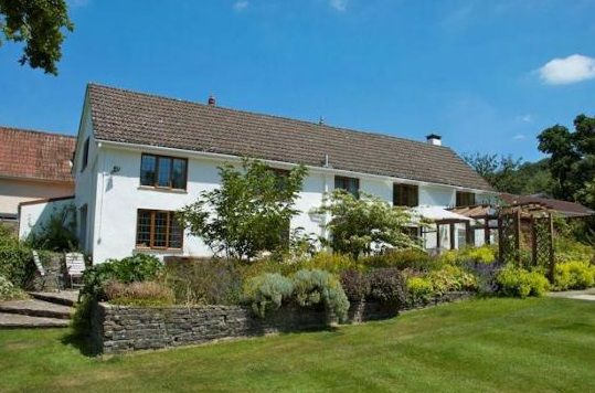 South Farm Cottages, Blackborough, Honiton, Devon (Sleeps 1-16) Self Catering Holiday Accommodation in England.
