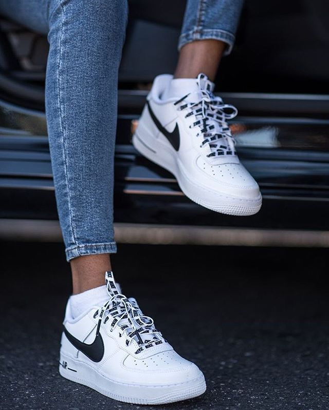 White Nike AirForce 1