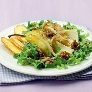 Herfstsalade met peer, walnoten en kaas recept - Salade - Eten Gerechten - Recepten Vandaag