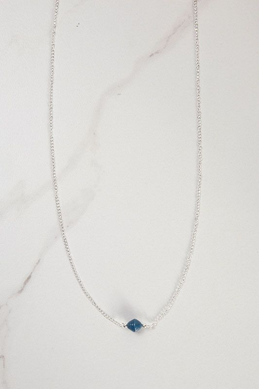 A new take on the best-selling Classic III Necklace, the Florence is simple in elegance yet impactful in story. Sweeping softly down the bust, this necklace features a simple paper bead | Enrou