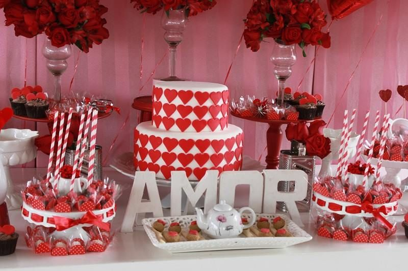 Decoração vermelha, muito romântico!