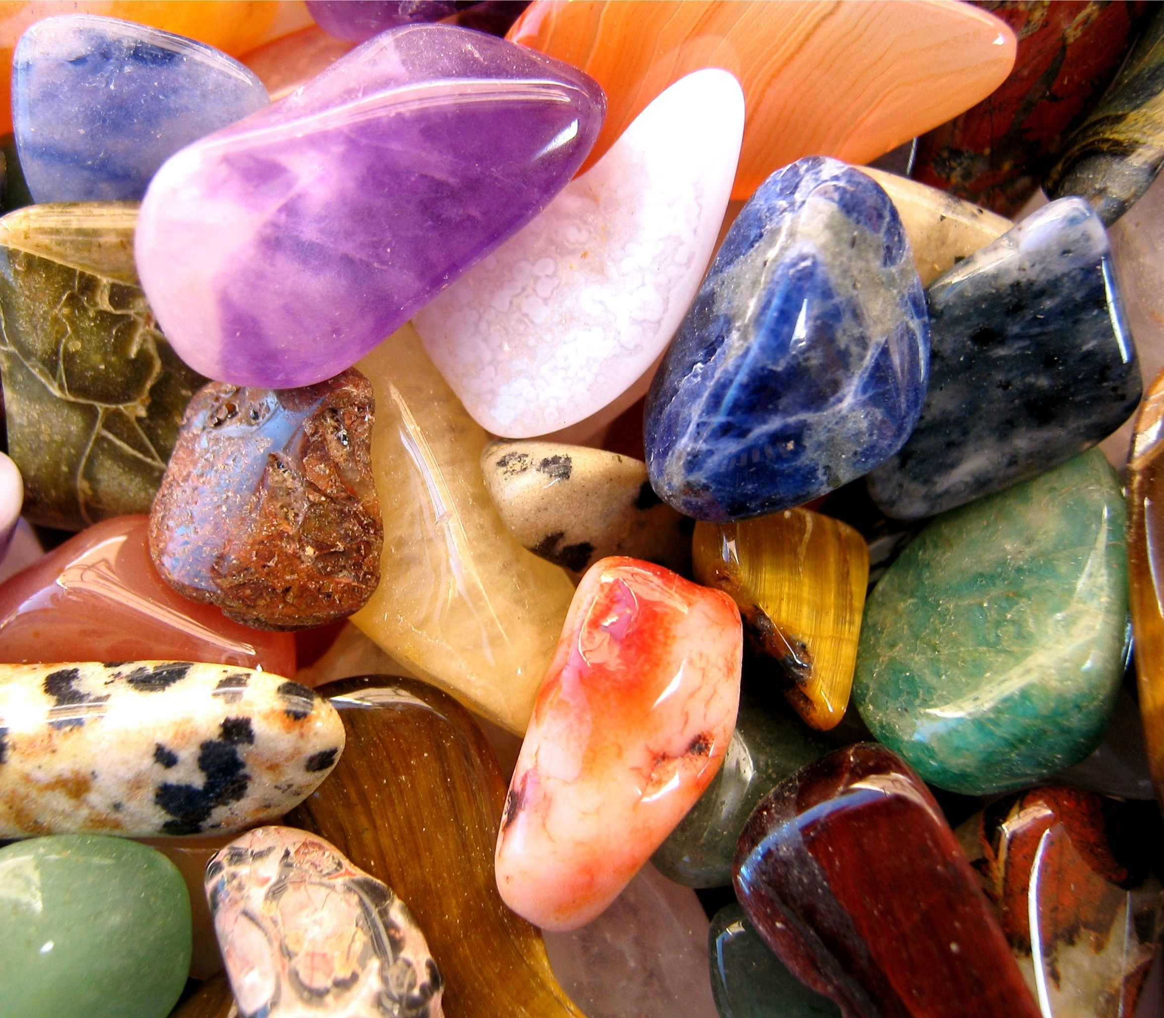 Pin by Janette Coneff on Crystals | Crystals, Small glass