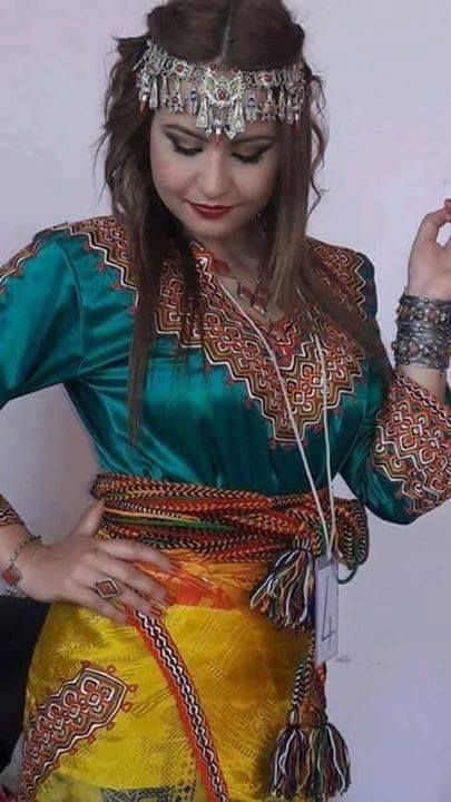 Robe kabyle alg rienne algeriantraditionaldresses for Maison kabyle moderne
