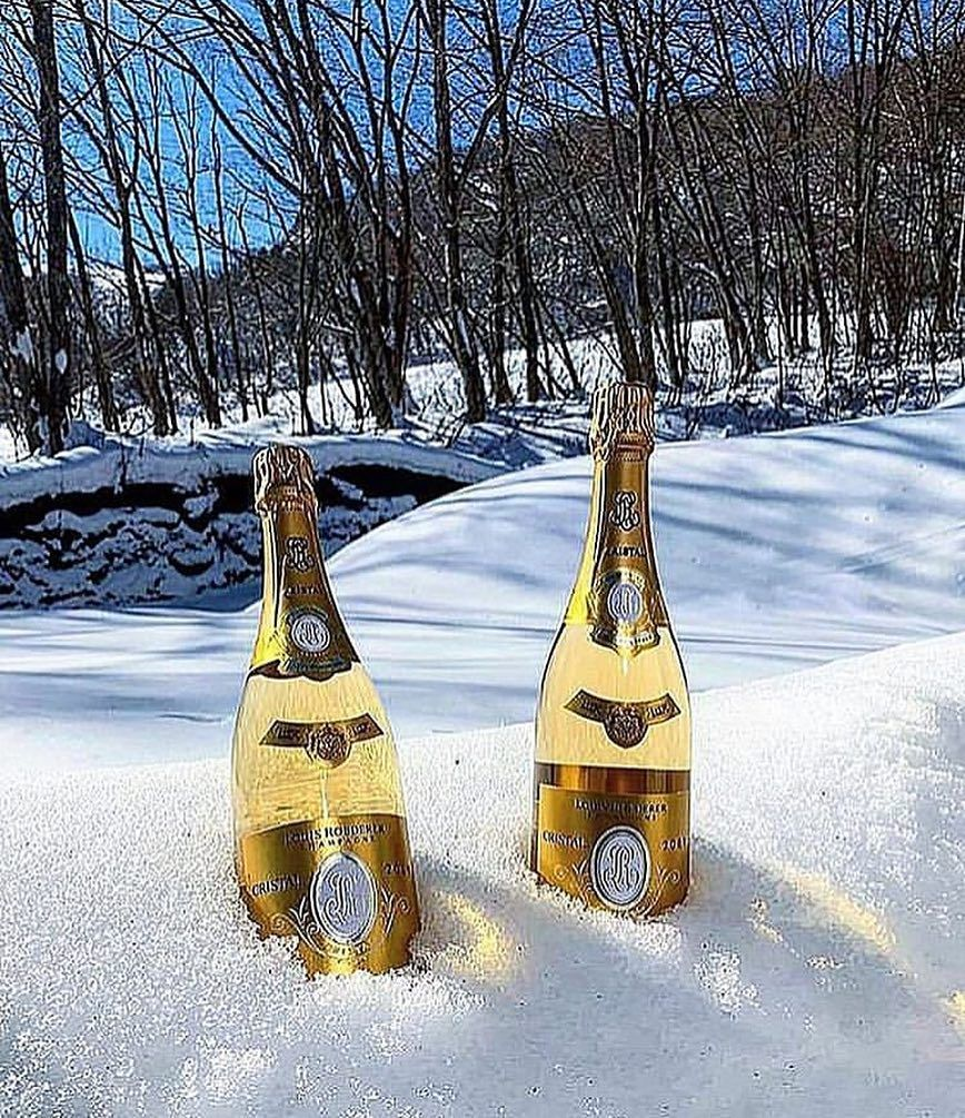 Bestofchampagne On Instagram Jingle Bell Jingle Bell Louis Roederer In The Snow Champagne Champagnepapi Champagne Champagne Bubbles Champagne Region