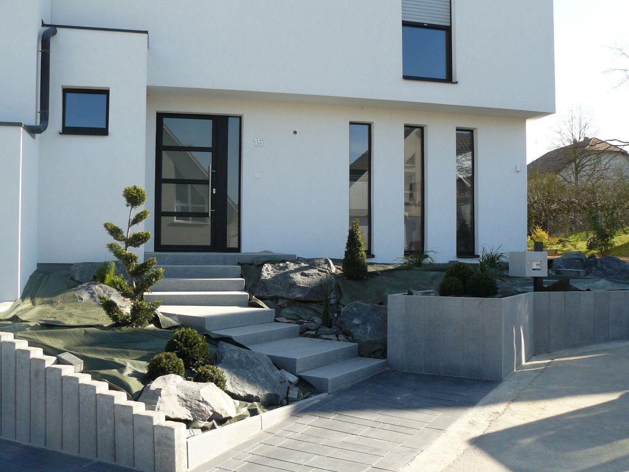 Notre maison moderne Q-BI© en Alsace - projet terrasse en cours ...