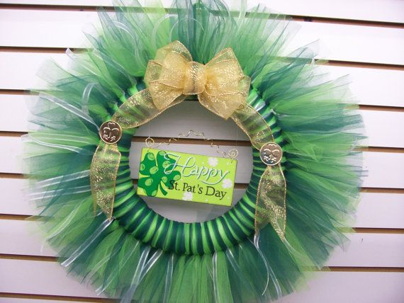 St Patrick's Day Tulle Wreath by EDesigns2878 on Etsy, $27.00