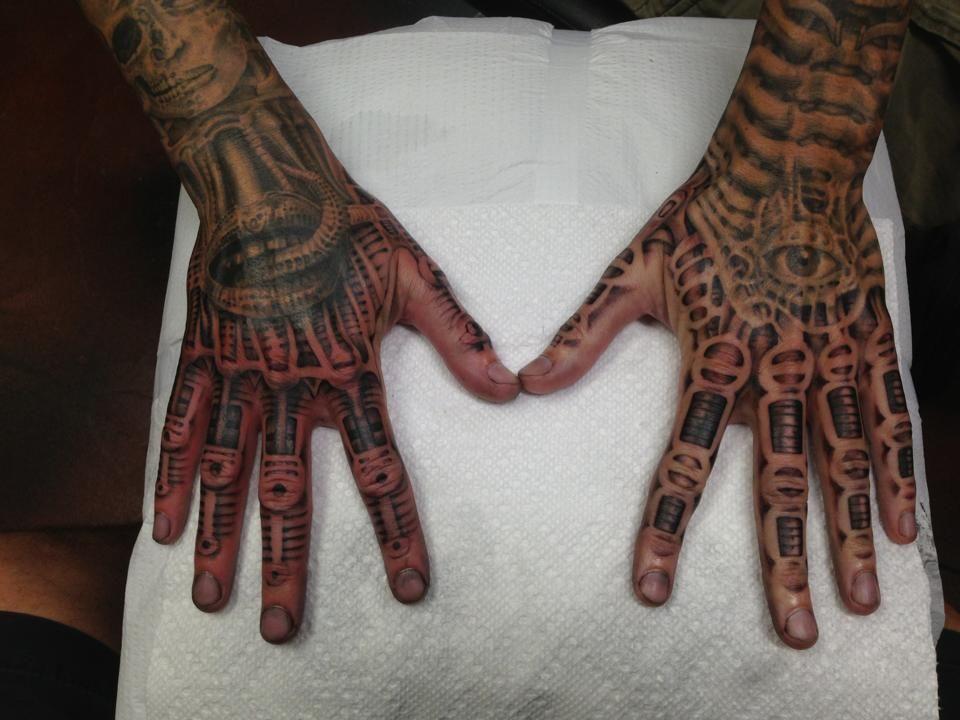 Biomechaniczne Tatuaze 25050 Biomechanical Tattoo Skeleton Hand Tattoo Cyborg Tattoo