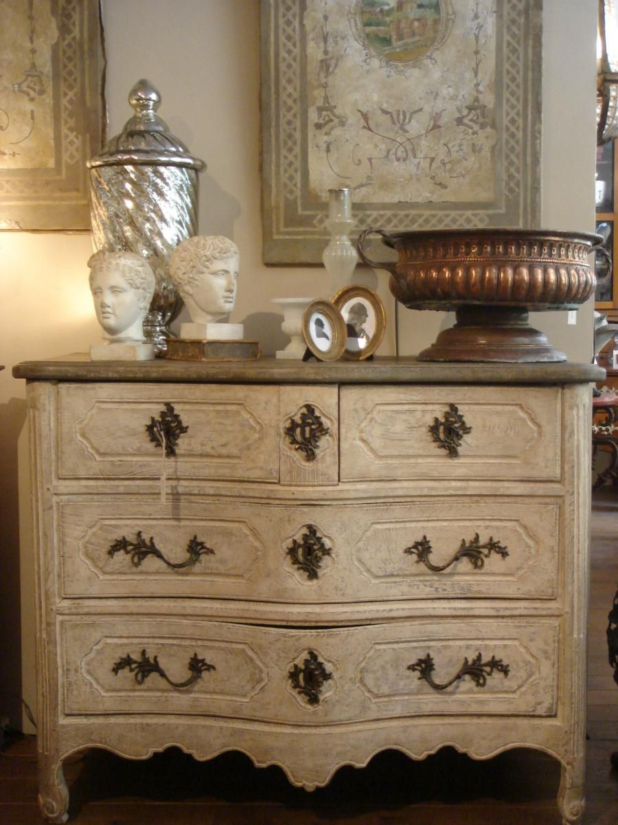 Nice Curved Commode Louisxv In Oak With Its Old Patina Posterior And Plate Billed Corbin In Painted Wood In Dark Commode Louis Xv Commode Mobilier De Salon