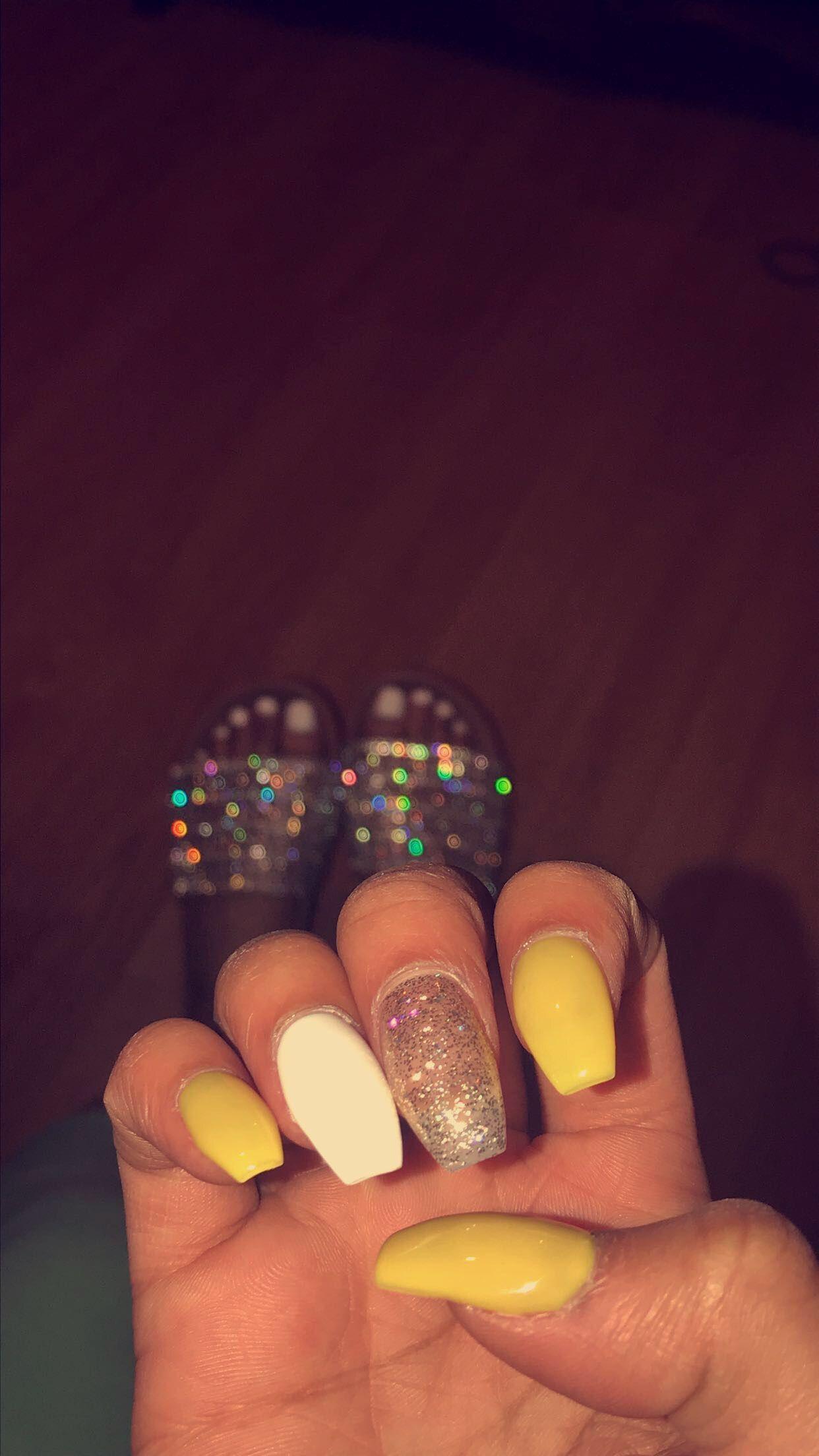 Acrylic Nails Yellow White Sparkles Acrylic Nails Yellow Yellow Nails Yellow Nails Design