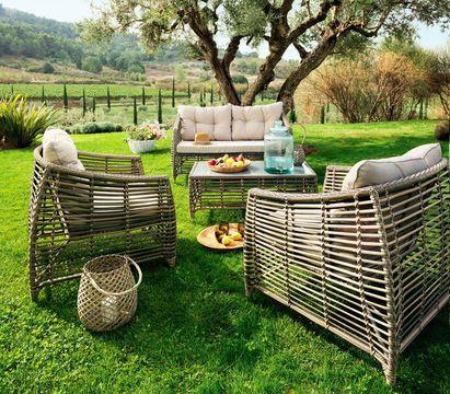 Mobilier De Jardin Un Salon De Jardin Beau Et Confortable