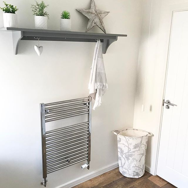 A Light Shade Like Jasmine White Accompanied By Air Purifying Plants Gives Your Bathroom A White Bathroom Paint Colors White Bathroom Paint Dulux White Paint