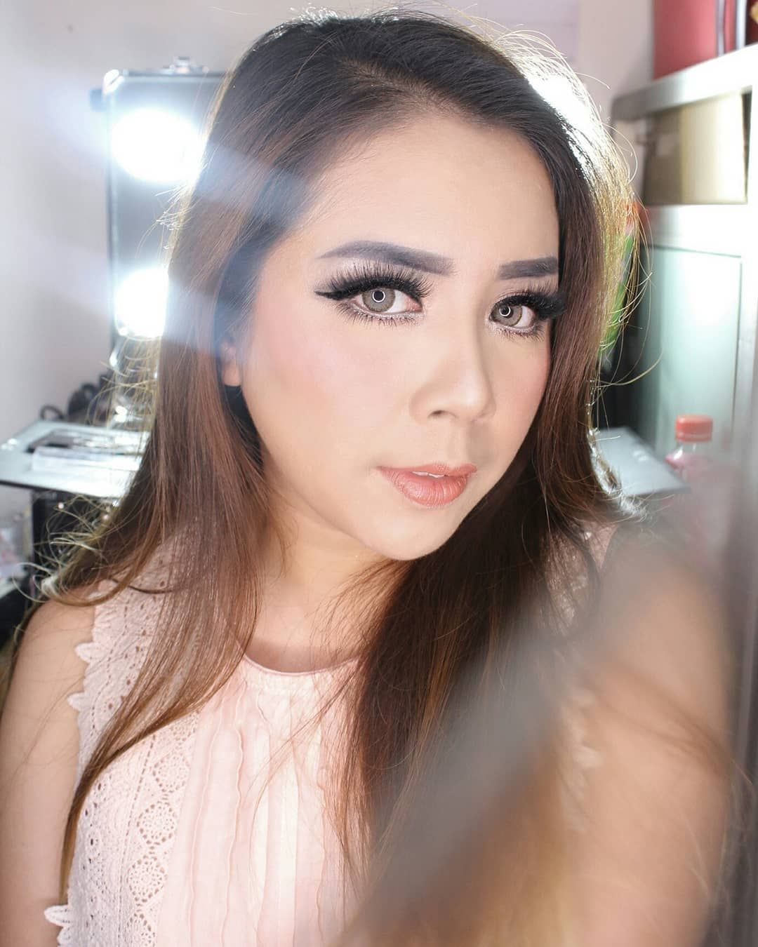 Need Makeup Artist On Your Wedding Day Or Any Occion Go Check Now