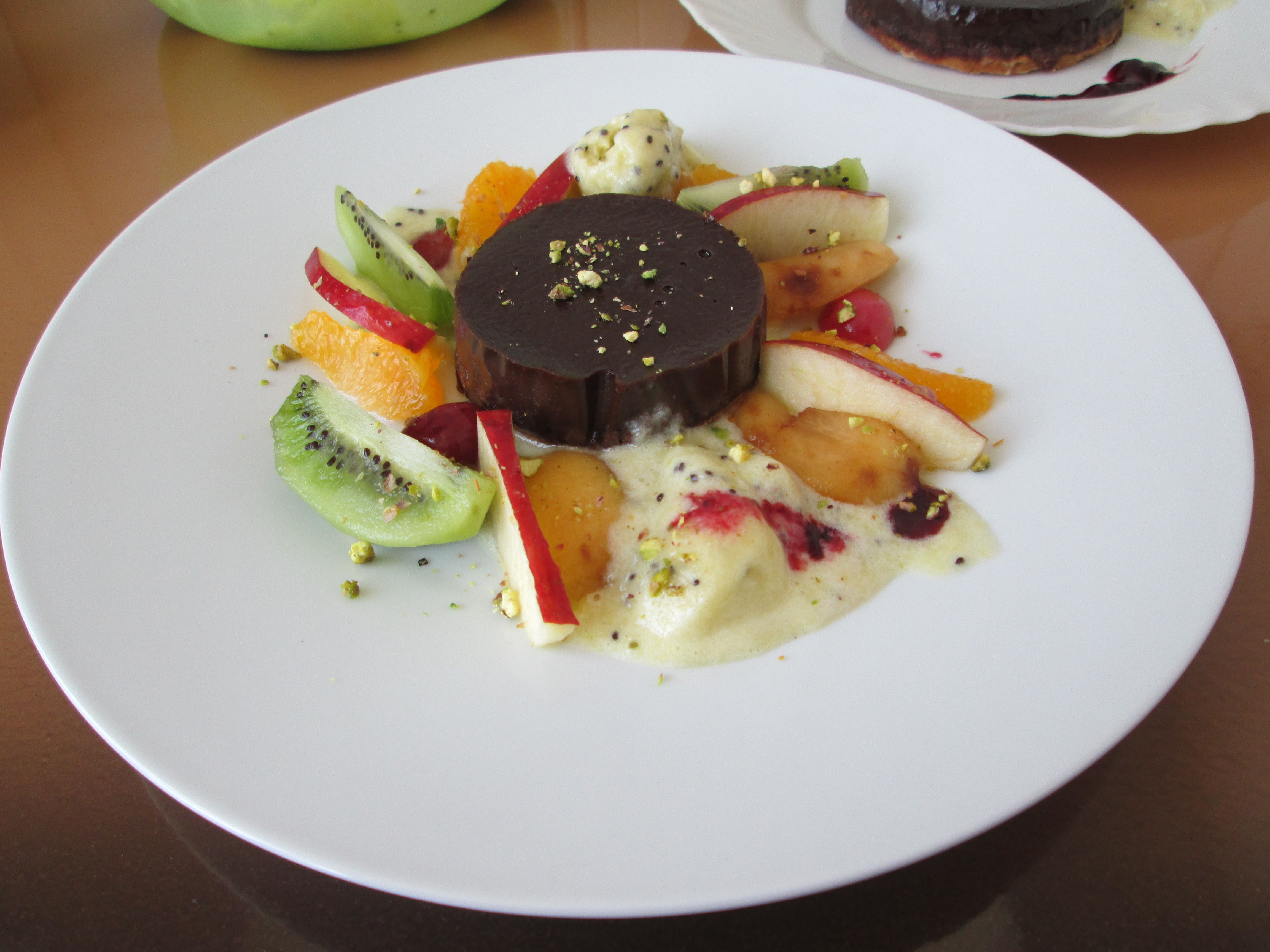 Petit  tarte  aux   chocolate   et   fruits  frais macedoine  .   Gino D'Aquino ___________