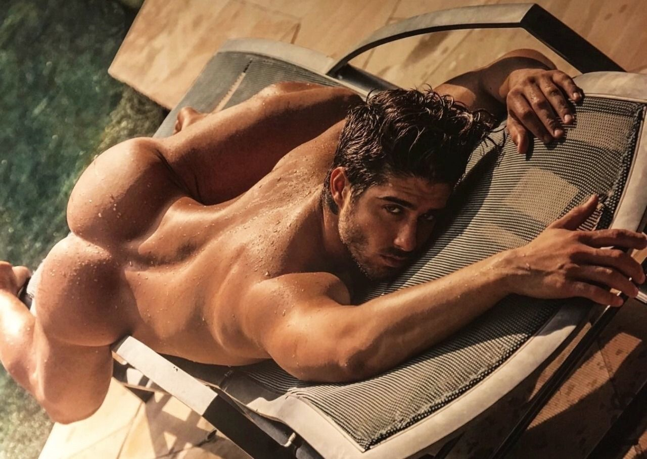 Pin By Justin K On Image Pics Male Physique Guy Pictures Photo