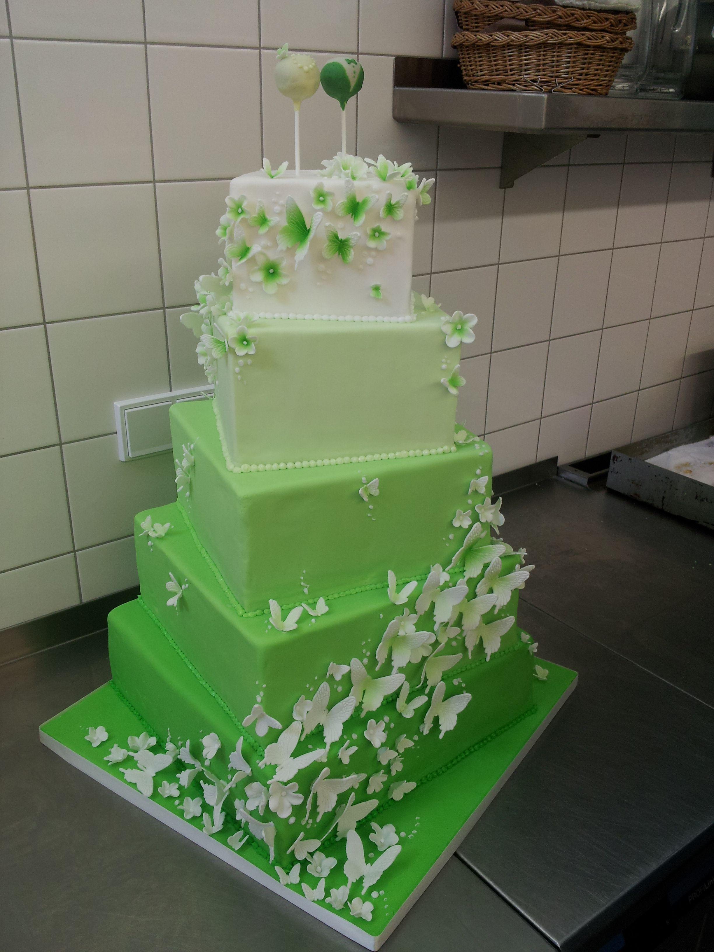 Hochzeitstorte Mit Zucker Schmetterlingen In Grun Weiss Www