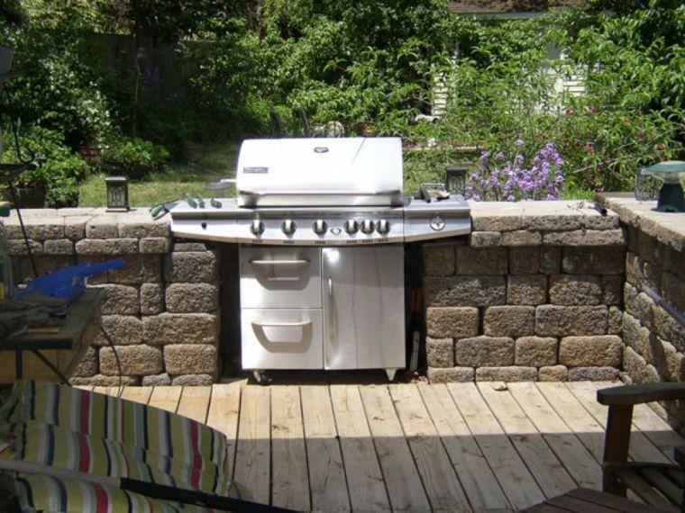 Plan de travail extérieur pour une cuisine d\u0027été pratique - plan de travail pour barbecue exterieur