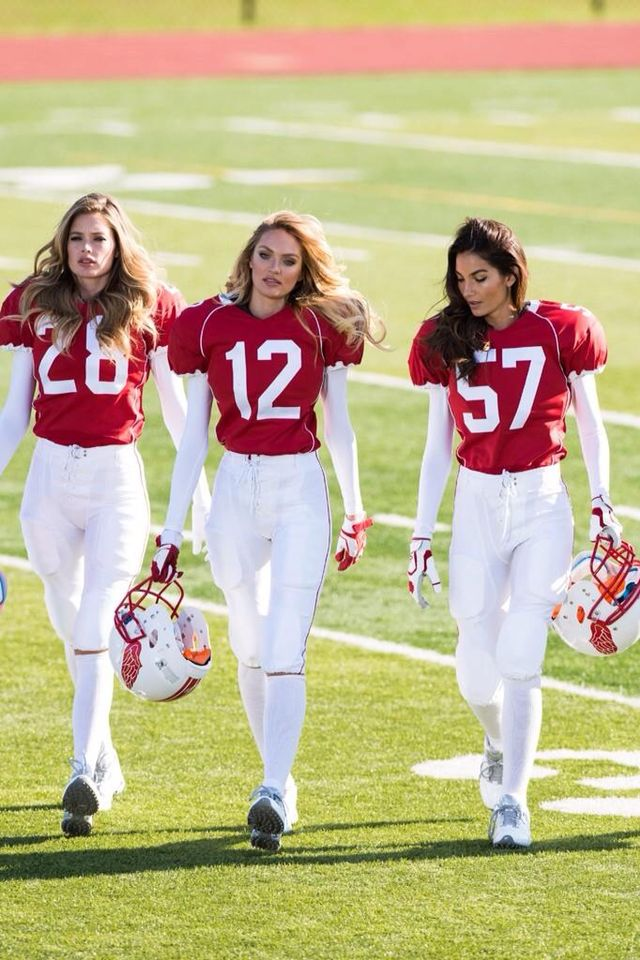 Victoria S Secret Angels Football Style In 2019 Fussball