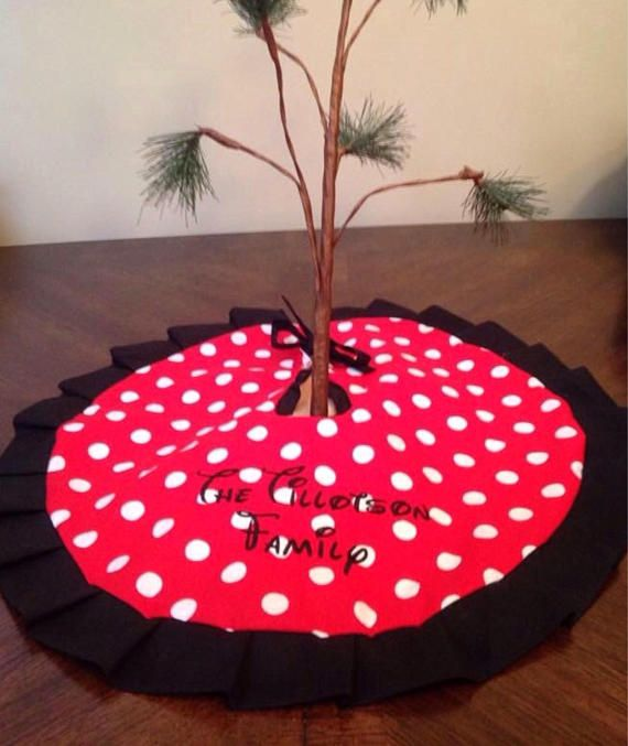 Small Disney Minnie Mouse Inspired Tree Skirt For Mini Trees Minnie Mouse Christmas Disney Christmas Tree Skirt Xmas Tree Skirts