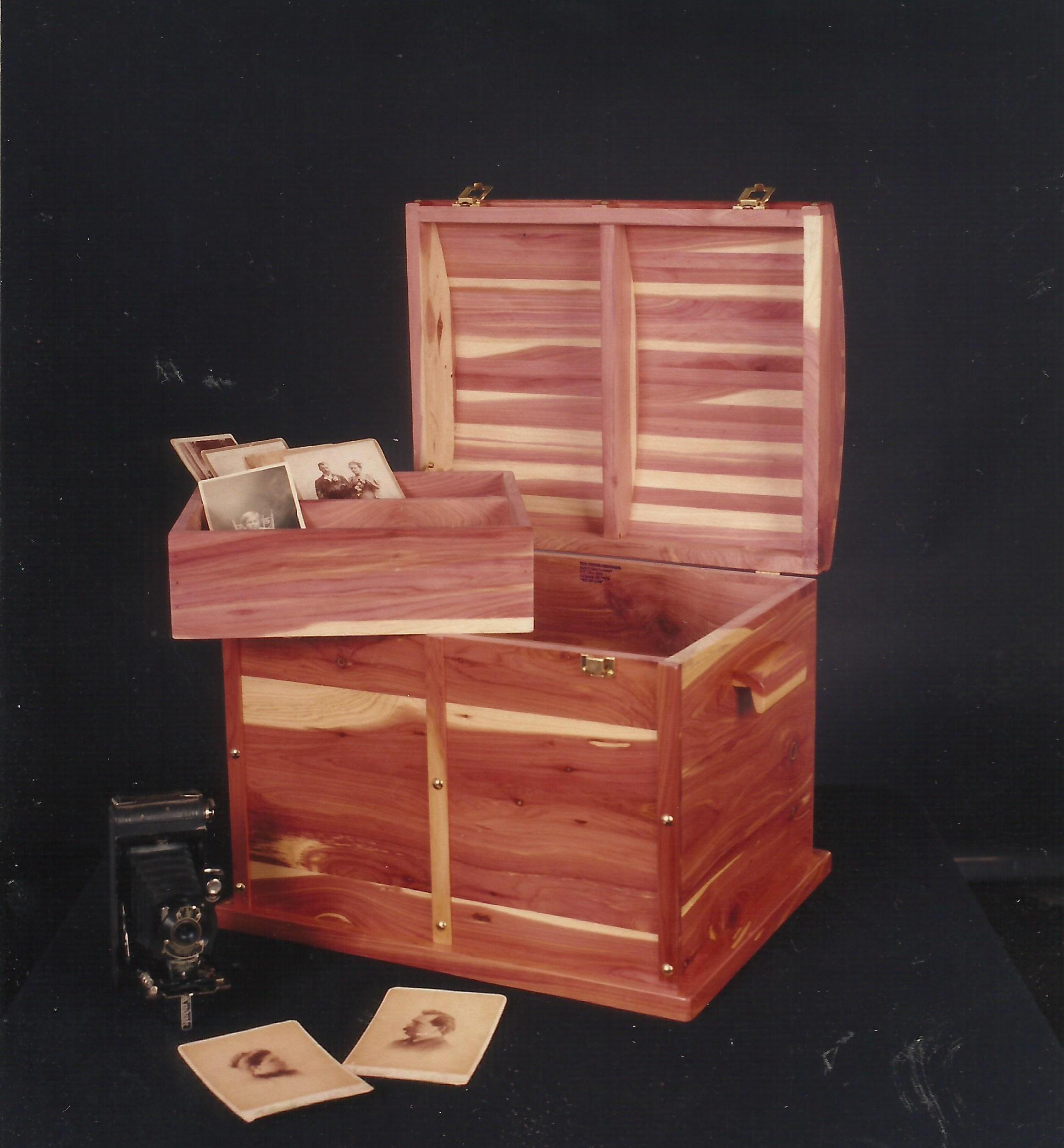 eastern red cedar treasure chest memory keepsake storage