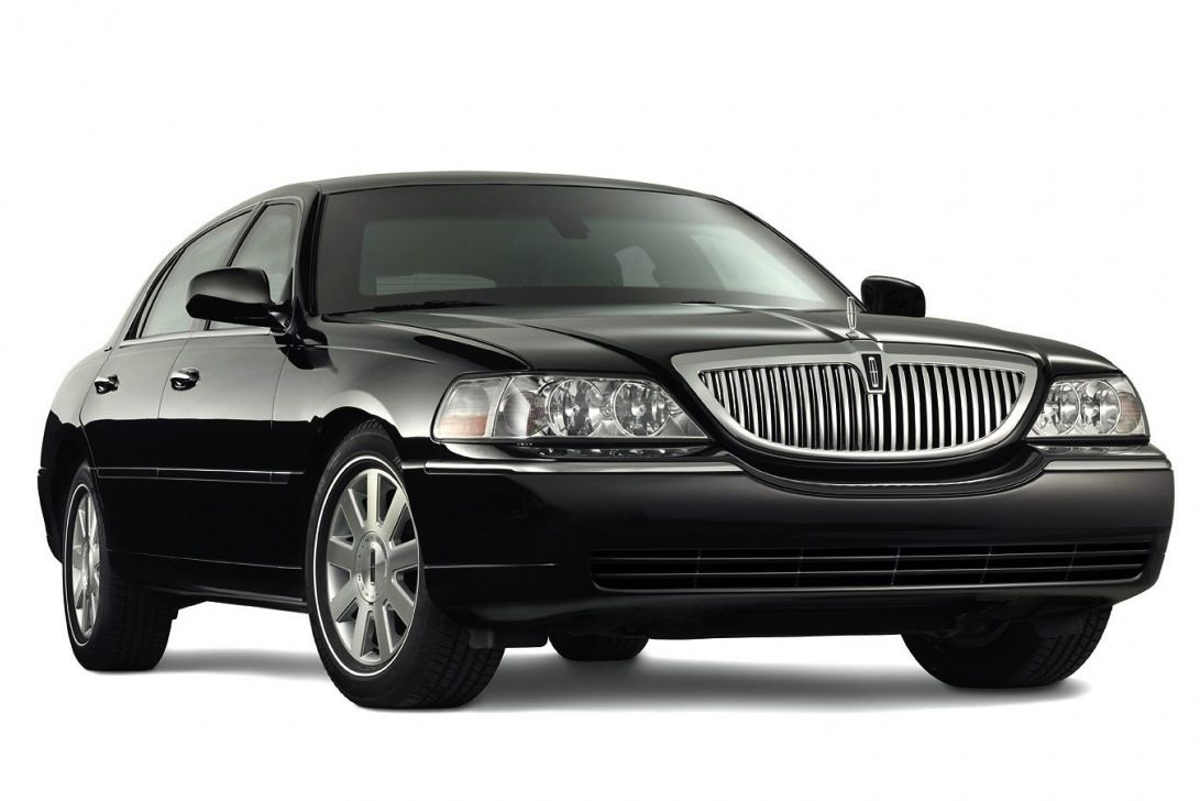 2014 Black Lincoln Town Car And A Hot Driver Oh My God Stuff I