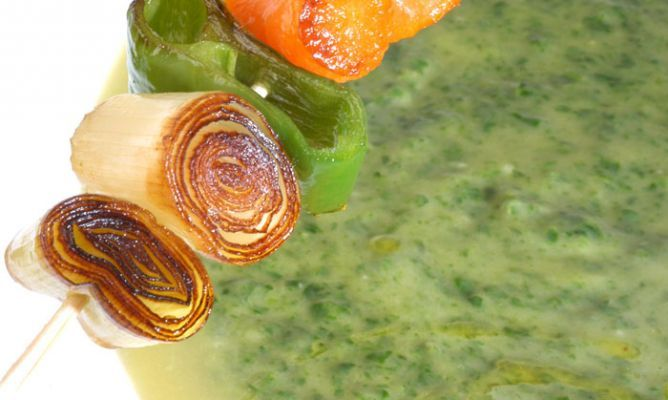 Receta De Crema De Espinacas Con Brocheta De Verduras Karlos Arguiñano Receta Verduras Espinacas Crema De Espinacas