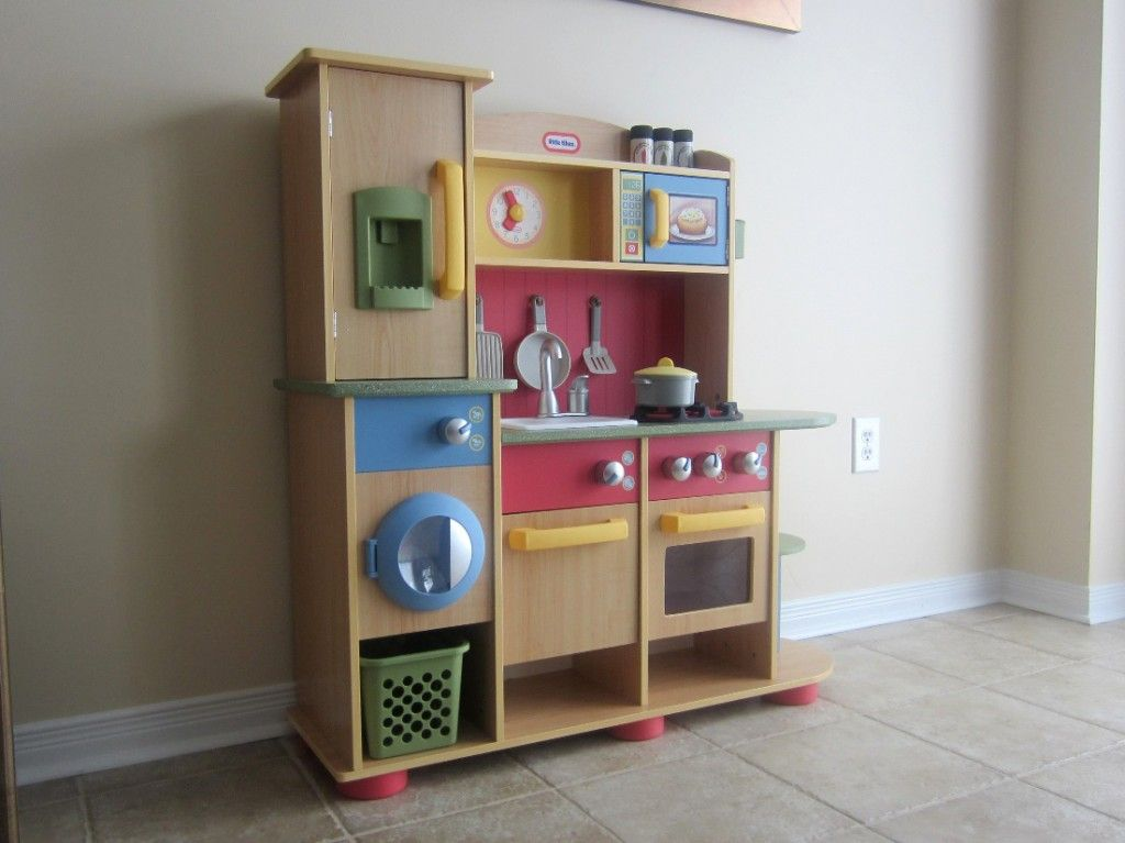 Having Fun With The Little Tikes Kitchen Set   Http://sincitylocal.com