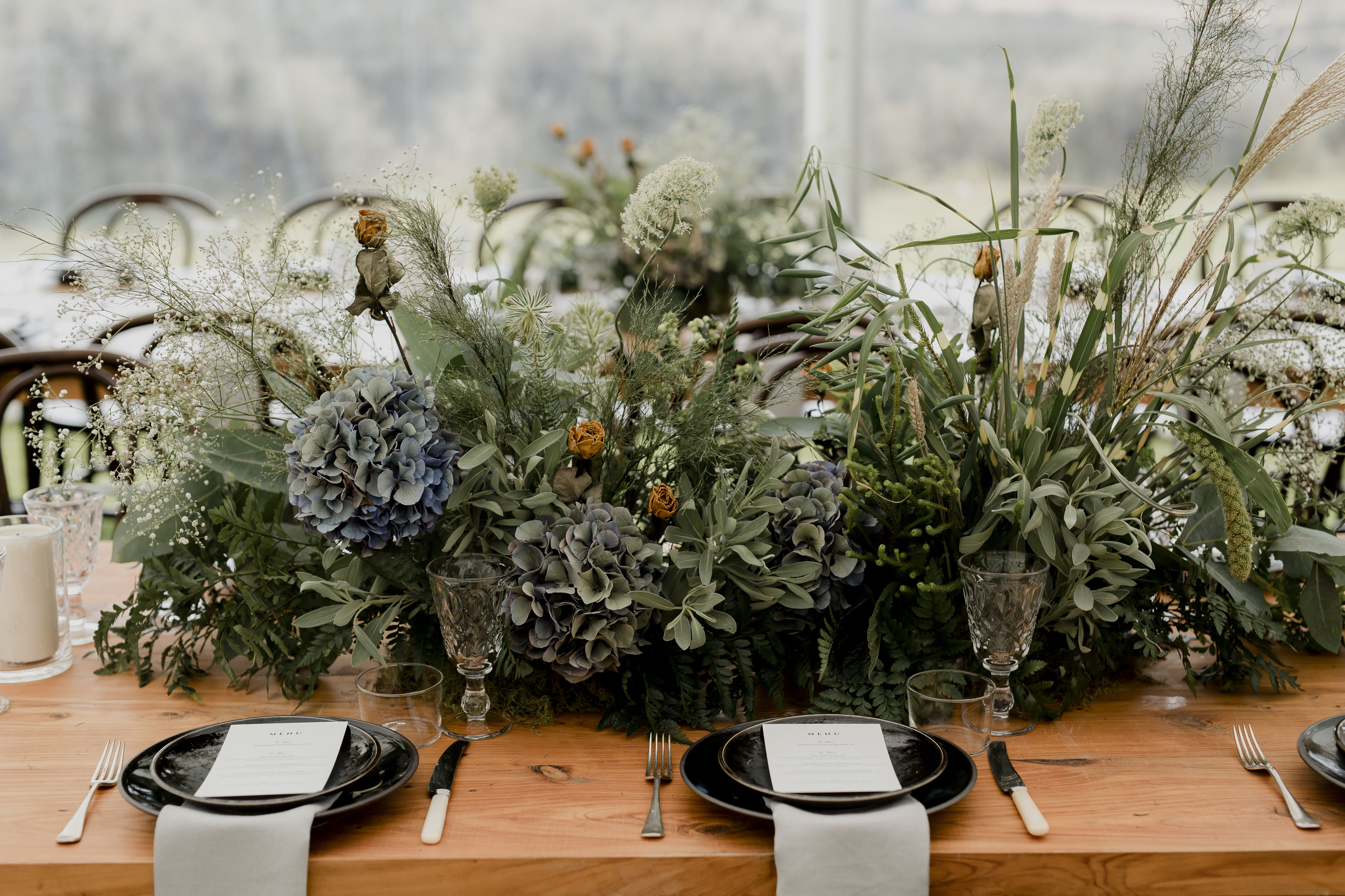 Earthy elegance for this wedding by ON MY HAND styling