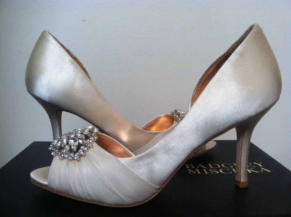 5f777279ca17 Badgley Mischka Pearson Vanilla Satin Dressy Evening Women s Heels Pumps 6 M   BadgleyMischka  PumpsClassicsDressyEveningHeels