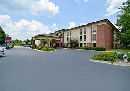 Book Your Stay At The Comfort Suites North Point Mall Hotel In Alpharetta GA Conveniently Located Near Verizon Wireless Amphitheatre Encore Park