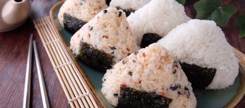 Onigiri Nasi Kepal Simpel Murah Meriah Ala Jepang Resep Resepkoki Resep Makanan Nasi Sushi