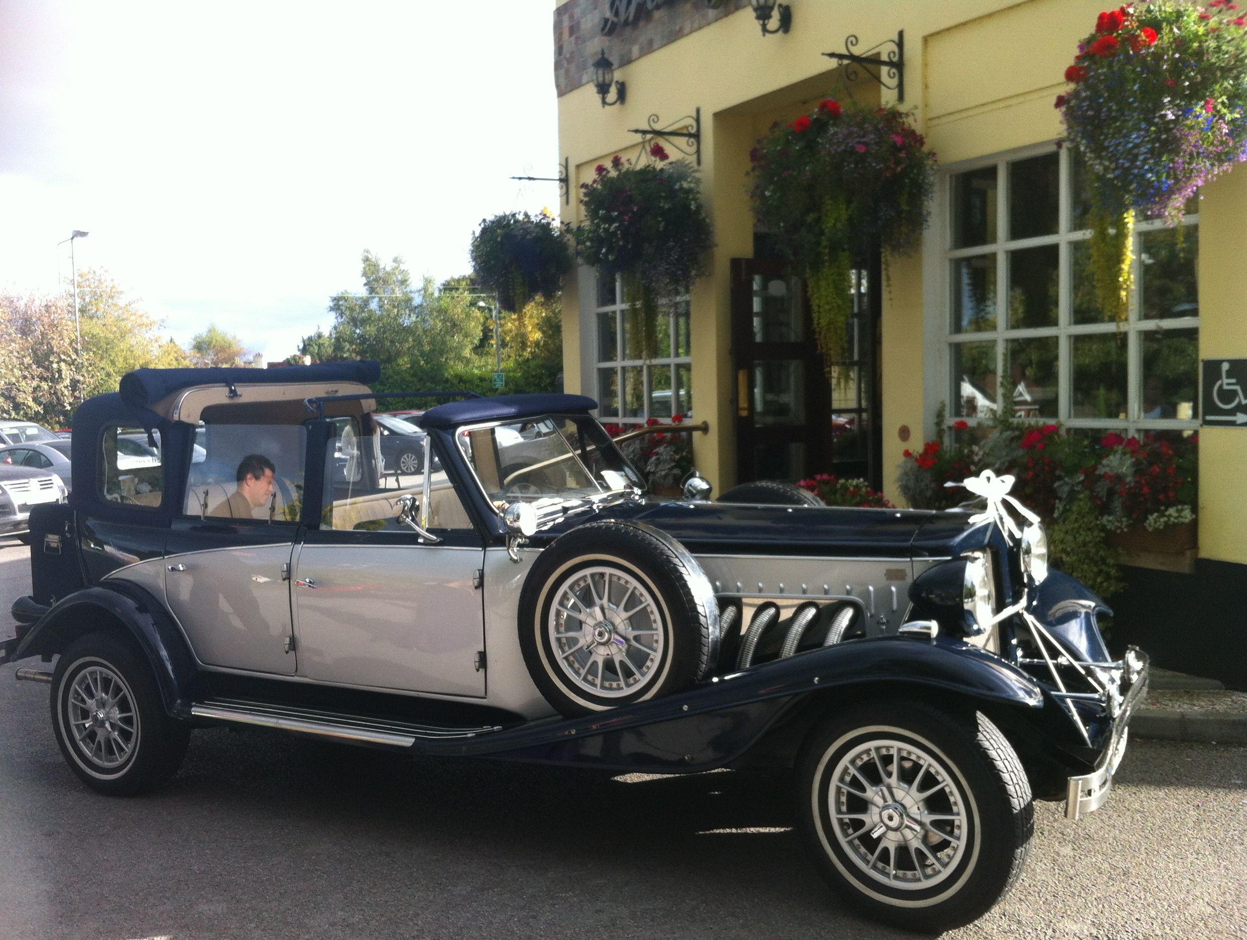 Pin By Young Moon On Auto Wedding Car Wedding Car Hire Vintage Car Wedding
