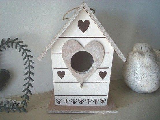 nichoir oiseau coeurs marrons d co campagne pinterest nichoirs marrons et oiseaux. Black Bedroom Furniture Sets. Home Design Ideas