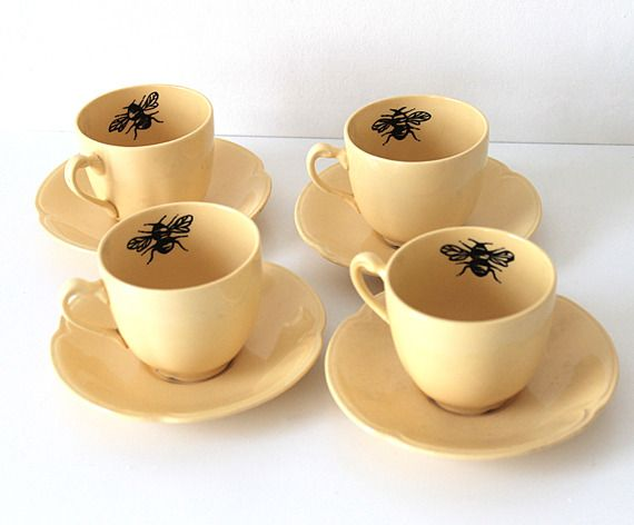 ≗ The Bee's Reverie ≗ Queen Bee coffee cups, Yvonne Ellen