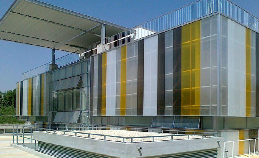 Edificio de policarbonato buscar con google edificios - Suelo de policarbonato ...