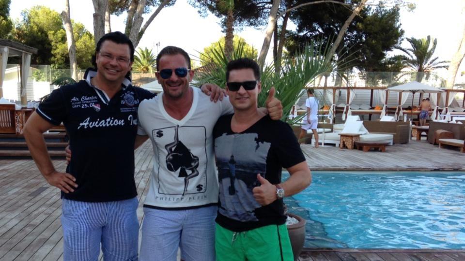 Secret Millionaires- Nikkis Beach 2014
