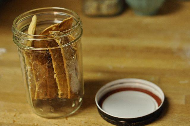 pint of crackers by Marisa | Food in Jars, via Flickr